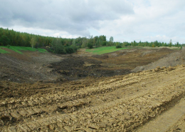 Фото 3. Искусственный пруд без строительных матералов. Грунтовый пруд без бетона и плёнки.
