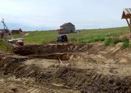 Грунтовый пруд без бетона и пленки.